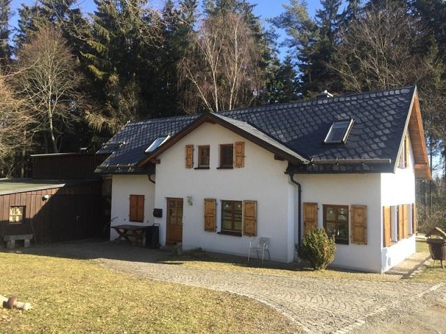 Mehrfamilienhaus Rehau
